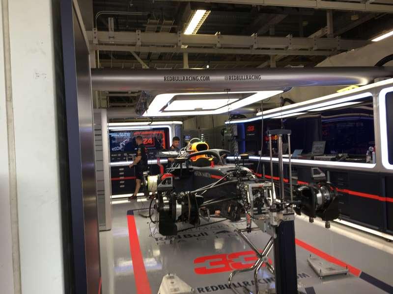 F1日本グランプリ2018:レッドブルのピット