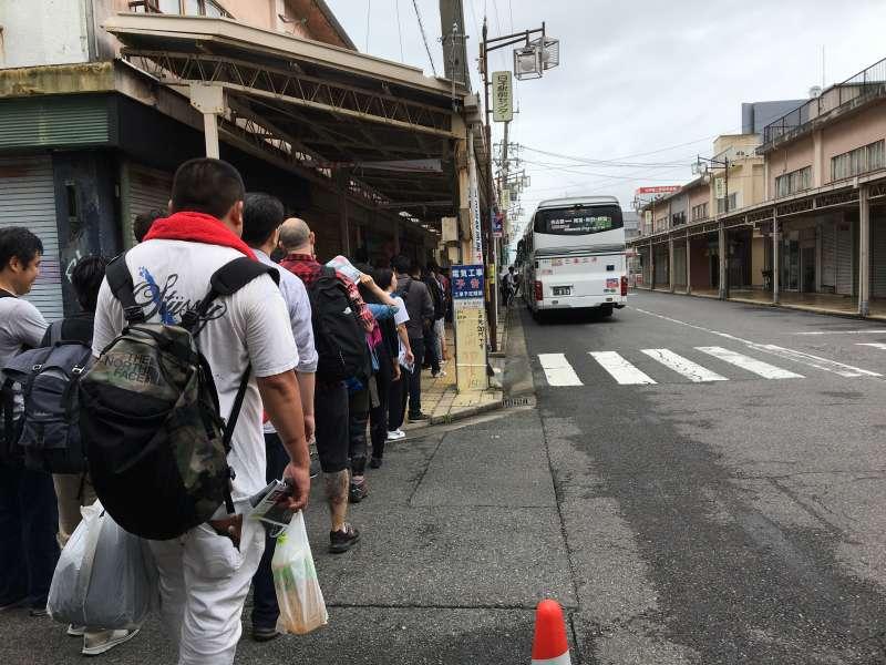 F1日本グランプリ:白子駅〜鈴鹿サーキットへの臨時バス